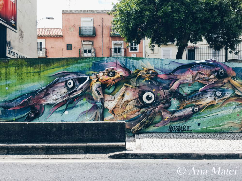 Bordalo-II-fish-bank-in-Alcantara---Terra---pic-by-Ana-Matei