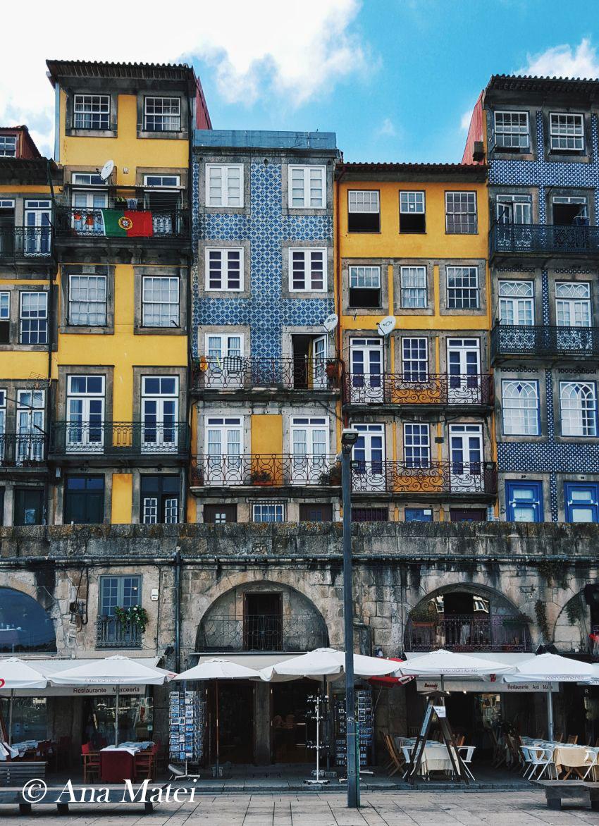 Ribeira-facades,-Oporto,-Portugal