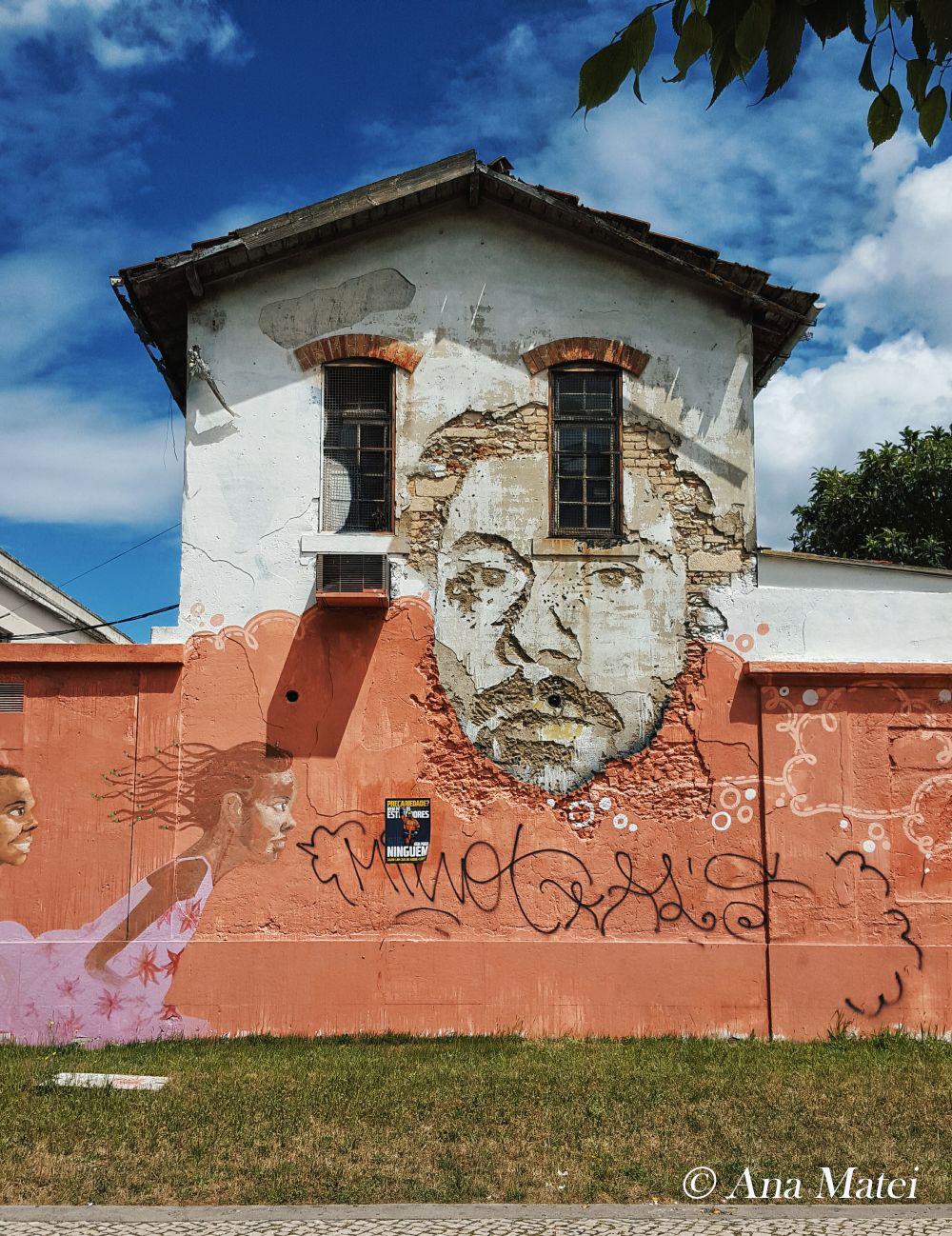 Vhils-street-art-Rua-de-Alcantara,-Lisbon---pic-by-Ana-Matei