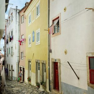 colorful-narrow-streets-in-Lisbon,-Portugal