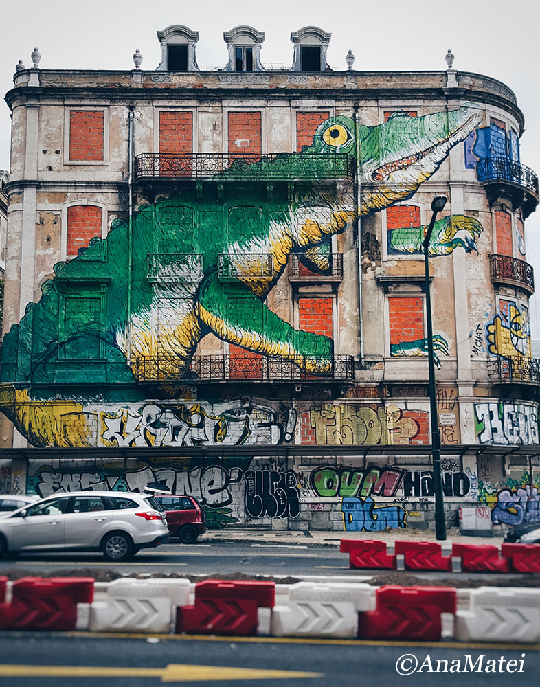Lisbon Facade - crocodile street art