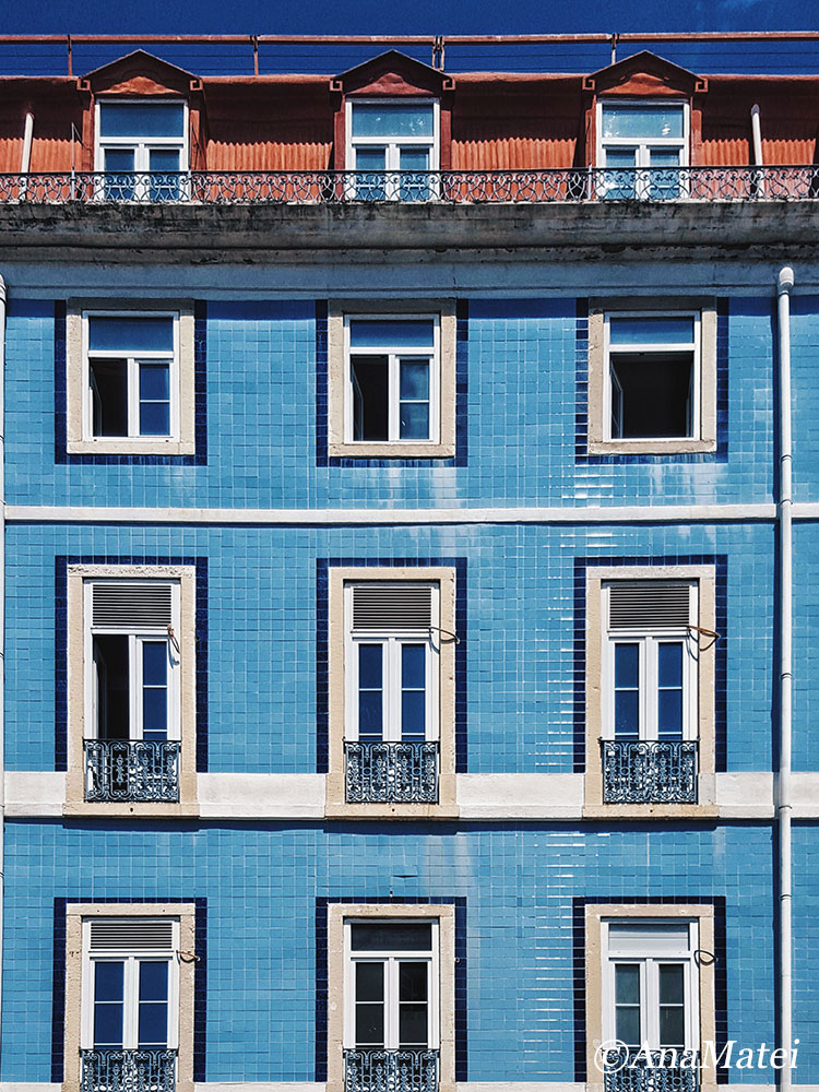 Lisbon Straight Facade in Blue