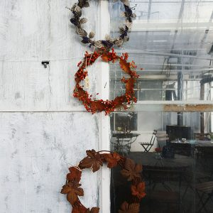 creative-wreaths-in-rosendals-shop-stockholm
