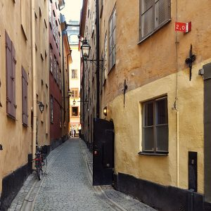 narrow-street-in-gamla-stan