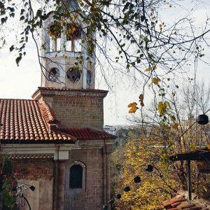 abandoned-medieval-church-in-veliko-tarnovo