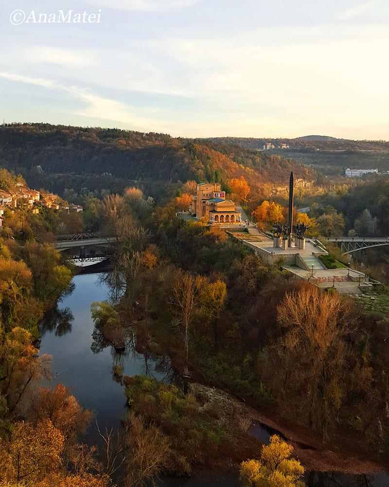 Asen s Monument in Veliko Tarnovo, Bulgaria from above