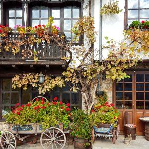 Gurko-Street-and-Gurko-Hotel-in-Veliko-Tarnovo-Bulgaria.jpg