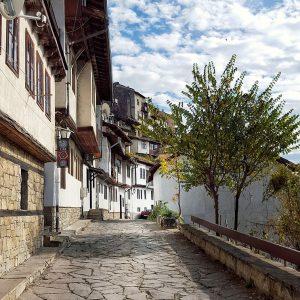 Gurko-Street-in-Veliko-Tarnovo-clouds