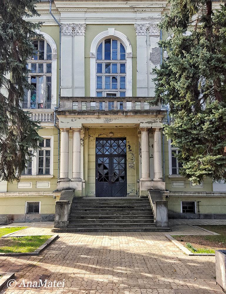 abandoned-building-near-tsarevets-fortress-in-veliko-tarnovo