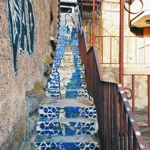 stairs-and-street-art-in-veliko-tarnovo