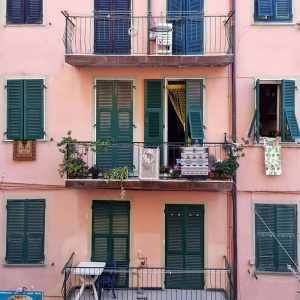 Riomaggiore-facade