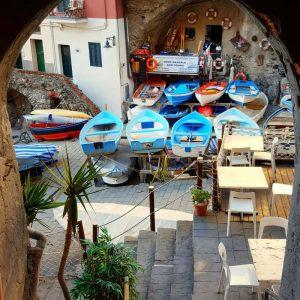 Riomaggiore-port---boat-house