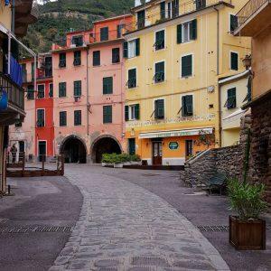 Vernazza,-Cinque-Terre---streetview
