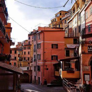 golden-hour-in-Riomaggiore,-Cinque-Terre-by-Ana-Matei