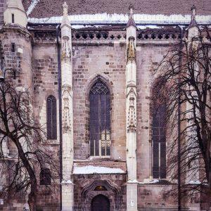 Black-Church-Brasov-and-tiny-human