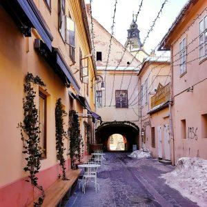 Brasov,-Transylvania---pretty-streets
