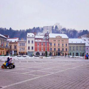 Brasov-old-city-center---Piata-Sfatului