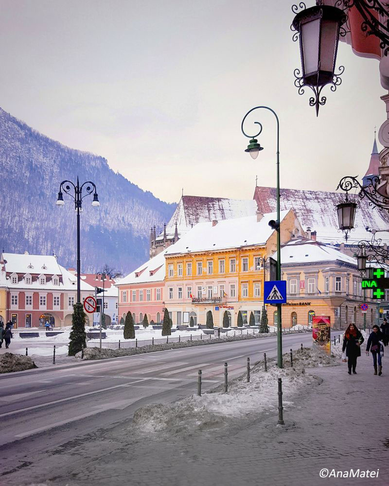 Brasov-street-view-and-lamps