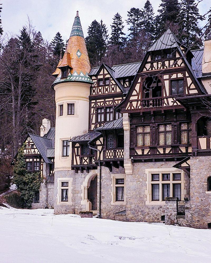 Pelisor-Castle-in-Sinaia,-Romania