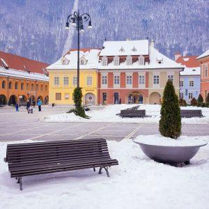 Piata-Sfatului---Brasov-old-city-center