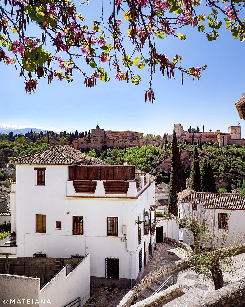 Albaicin-district-and-a-wonderful-view-to-Alhambra,-Granada