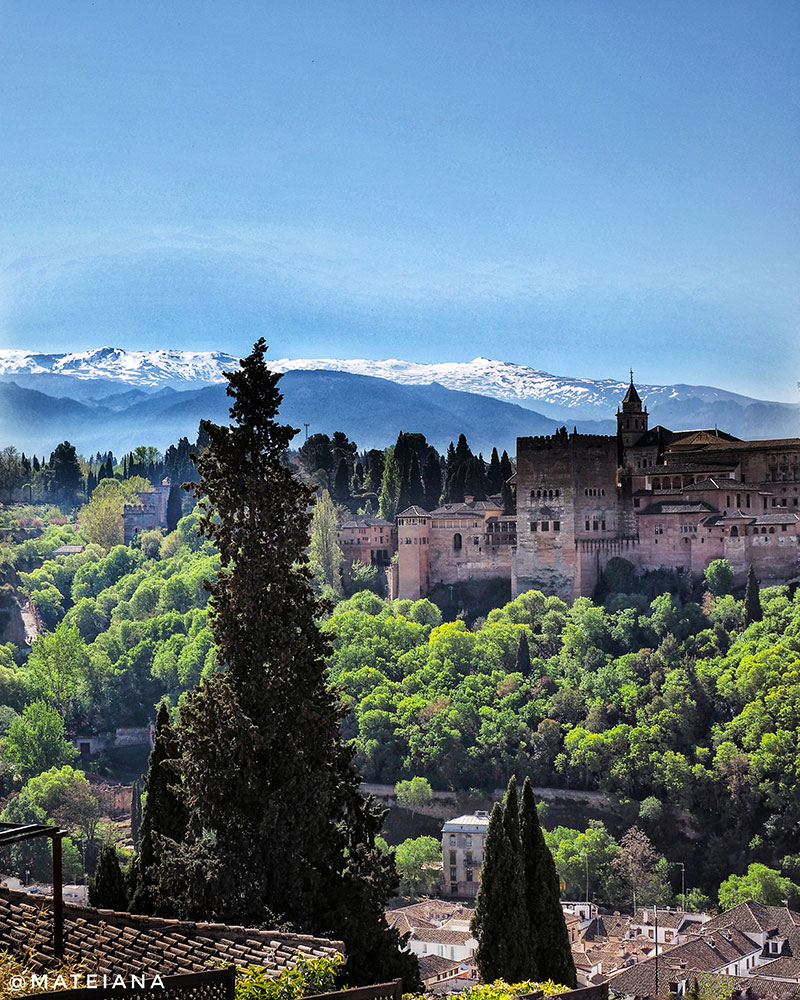 Sierra-Nevada-and-AlHambra---Postcard-from-Granada,-Andalucia