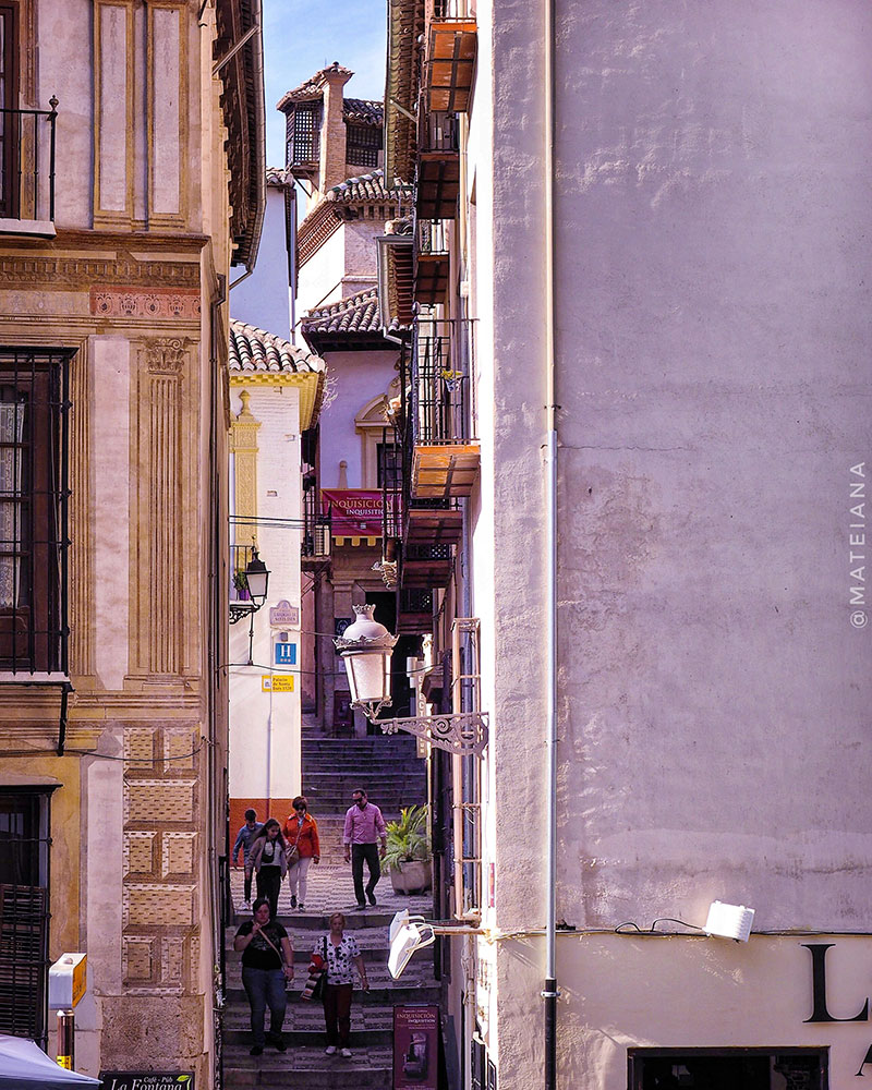 narrow-street-near-Carrera-del-Darro-in-Granada