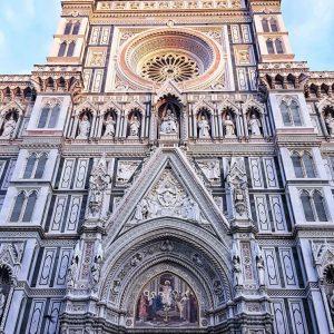 Piazza-del-Duomo,-Florence---facade