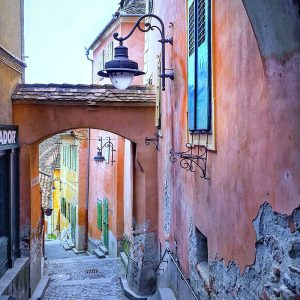 Goldsmiths-Square---Pink-Hidden-Passage-Sibiu