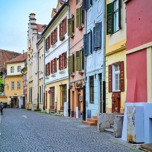 Huet-Square-Sibiu---pretty-architecture