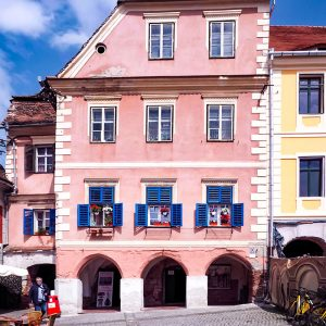 Little-Square-Sibiu---Pink-House