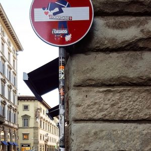 Street-Art-Florence---Policeman-in-love