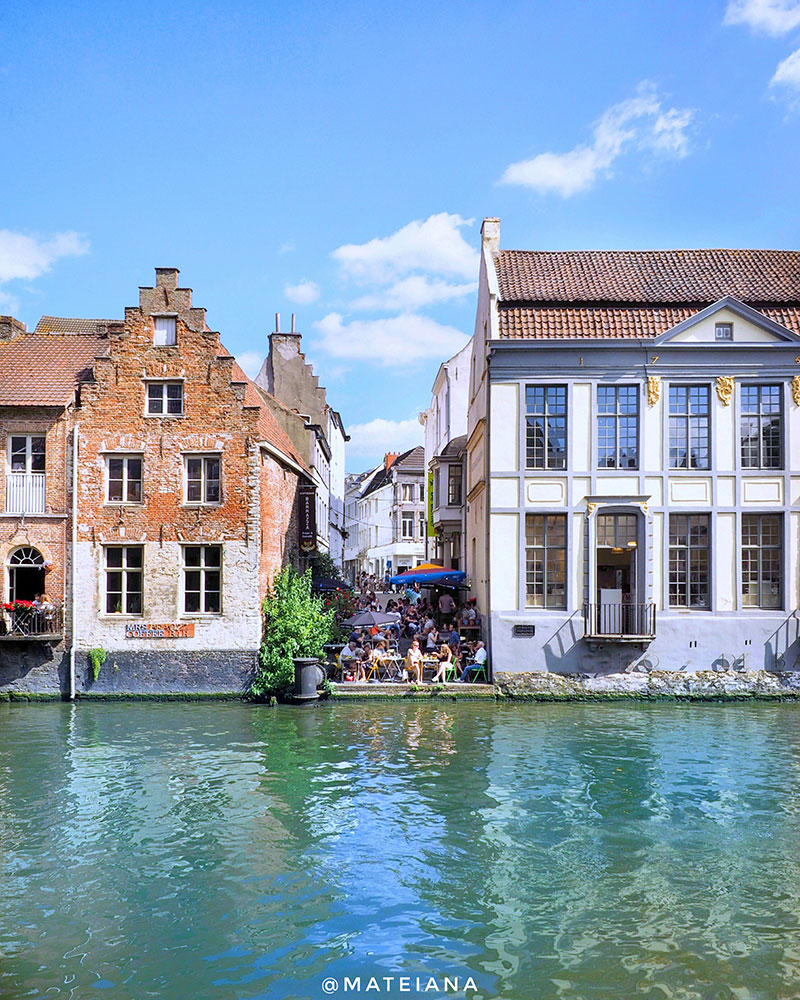 Barrazza-Koffiebar---Ghent-Canal