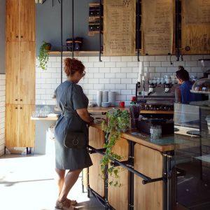 Ivy-Specialty-Coffee-Shop---interior-deco