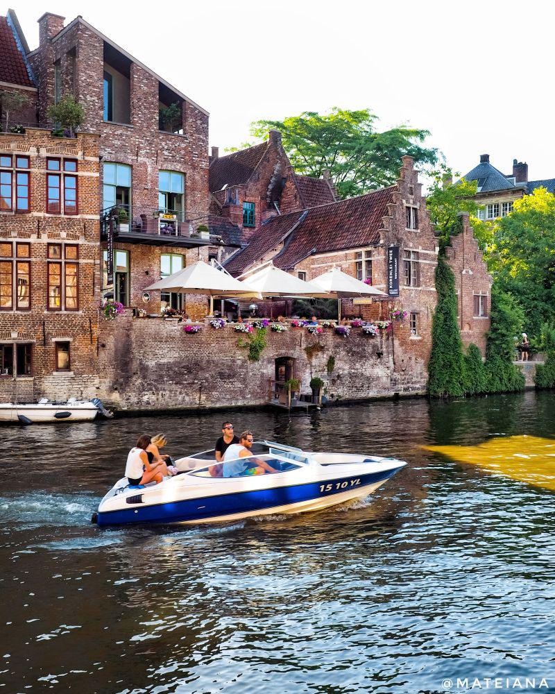 Korenlei-Twee---charming-canal-terrace-in-Ghent,-Belgium