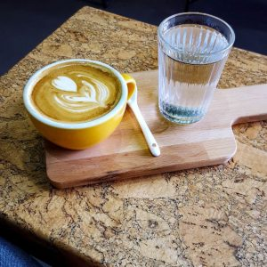 Specialty-Coffee-at-Van-Fruct-Campineanu---Bucharest,-Romania