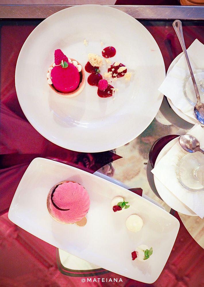 Desserts at New York Cafe Budapest