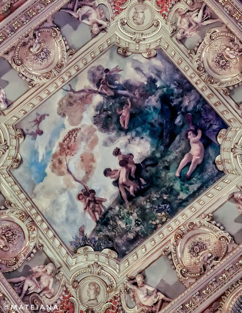 New York Cafe Budapest - frescoes