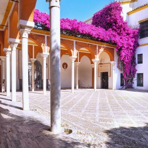 Patio-at-Casa-de-Pilatos,-Seville,-Spain