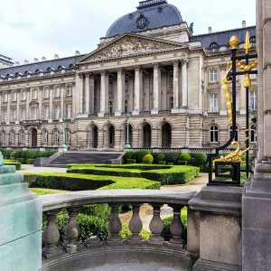 Royal-Palace-of-Brussels,-Belgium