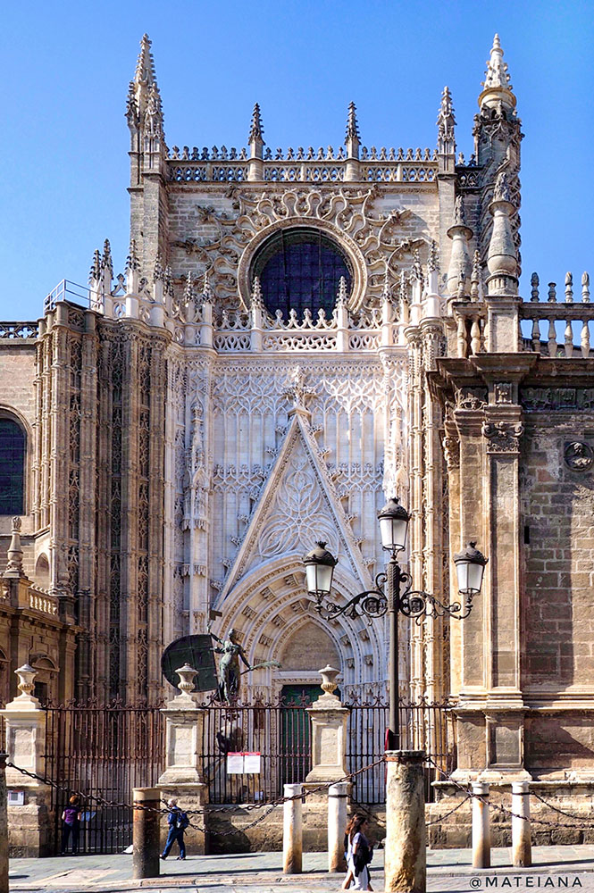 Seville-Cathedral,-Andalucia,-Spain