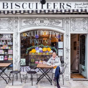 Ana-Matei-at-Biscuiteers-shop-in-Notting-Hill,-London