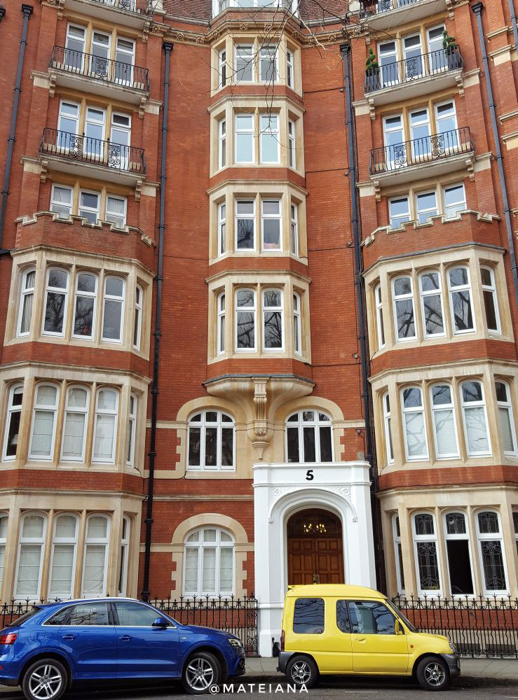 High-Street-Kensington-London--Looking-Up-Architecture-and-Cars