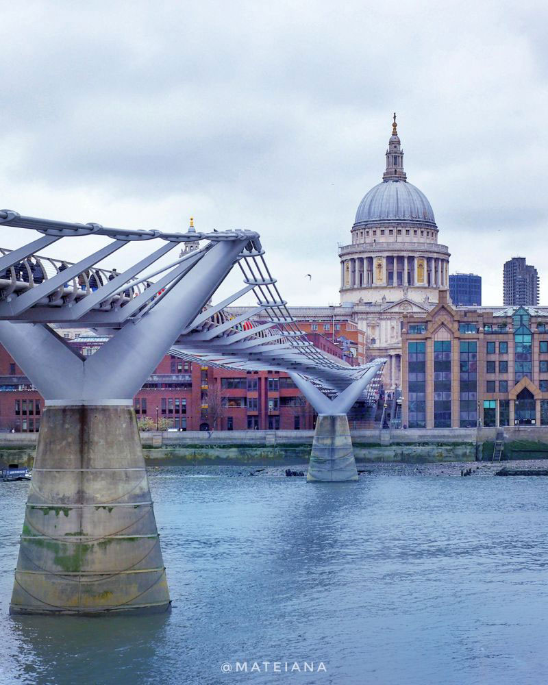 Millennium-Bridge-and-St.-Paul-s-Cathedral-in-London