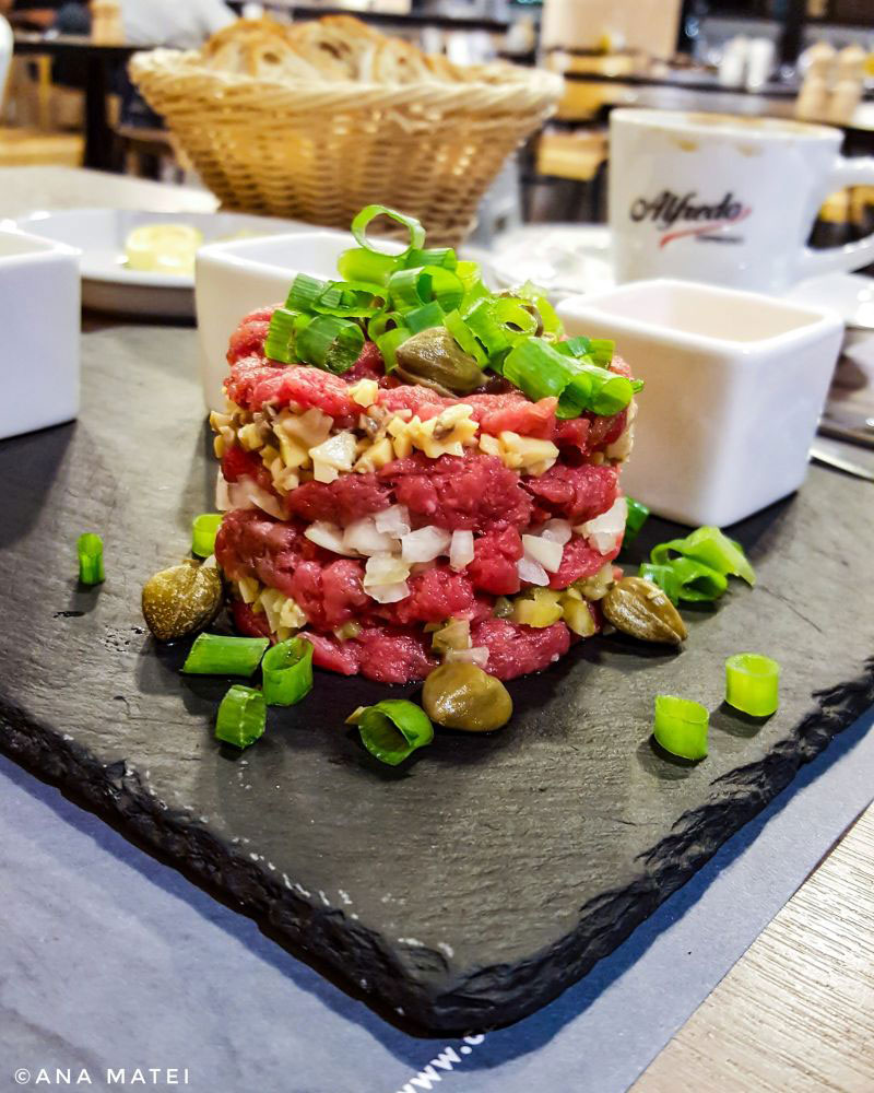 steak-tartare-in-Warsaw,-Poland
