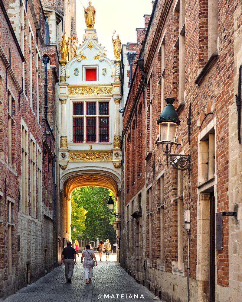 Brugse-Vrije---architecture-in-Brugge