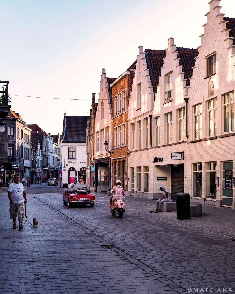 Cinematic-Streets-of-Brugge