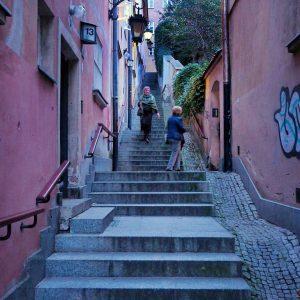 Kamienne-Schodki-stairs-passage