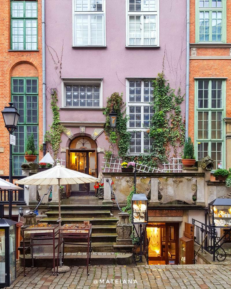 Mariacka-Street-Gdansk