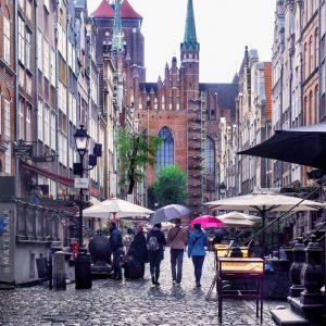 Mariacka-Street---St.-Mary-Basilica-Gdansk